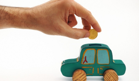 Putting money into car money box