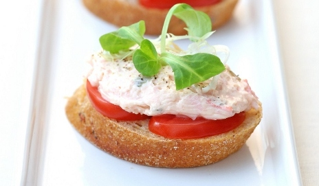 Bread with crab pate