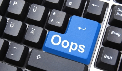 Computer keyboard with 'oops' key