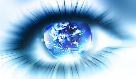Eye with globe image in pupil
